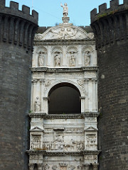 Arch of Alfonso, 1466, white marble, triumphal monument/castle gate/cenotaph, naples, compare with arch of titus in rome