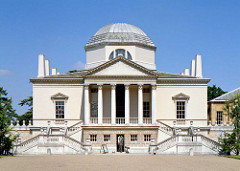 Chiswick House, 1725, Lord Burlington  & William Kent, Middlesex , England. - Neo-palladianism - Return to the first principles of Antiquity (Virtuvius), Palladio & Inigo Jones.