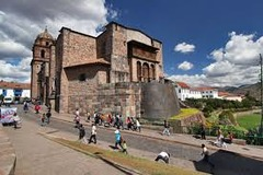 City of Cusco, including O0rikancha (Inka main temple), Santo Domingo (Spanish colonial convent), and Walls at Saqsa Waman (Sacsayhuaman) Central highlands, Peru. Inka. c. 1440 C.E.; convent added 1550-1650 C.E. Andesite Cuzco, which had a population of up to 150,000 at its peak, was laid out in the form of a puma and was dominated by fine buildings and palaces, the richest of all being the sacred gold-covered and emerald-studded Coricancha complex which included a temple to the Inca sun god Inti.
