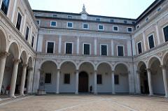 Palazzo Ducale courtyard, Urbino