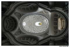 San Carlo alle Quattro Fontane Borromini 1646 Rome, Italy - commissioned by Pope Barberini - BAROQUE, oval fetish - natural light entering, adds to effect of weightlessness to the ceiling, also because it's white - it looks very complex but it's all rationally thought and planned