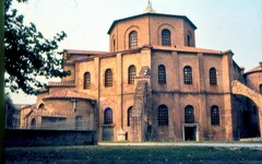San Vitale Ravenna, Italy. Early Byzantine Europe. c. 526-547 C.E. Brick, marble, and stone veneer; mosaic Beautiful images of the interior spaces of San Vitale, thes images capture the effect of the interior of the church.
