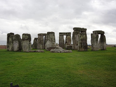 Stonehenge Wiltshire, U.K. Neolithic Europe. c. 2500-1600 B.C.E. Sandstone Stonehenge is a famous site know for its large circles of massive stones in a seemingly random location as well as the mystery surrounding how and why it was built. The stones are believed to be from local quarries and farther off mountains. There is also evidence of mud, wood, and ropes assisting in the construction of the site.
